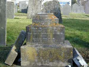 Dr W L Noot's gravestone in St Mary's Church graveyard