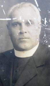 Revd E. Lee Hamer